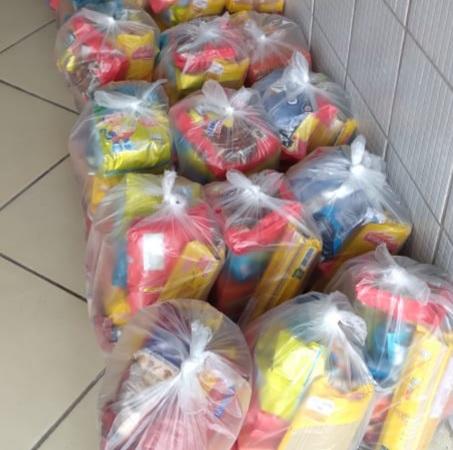 A Secretaria Municipal de Educação, iniciou nesta quinta-feira (08), a distribuição de 690 kits nutricionais para todos os alunos da Rede Municipal